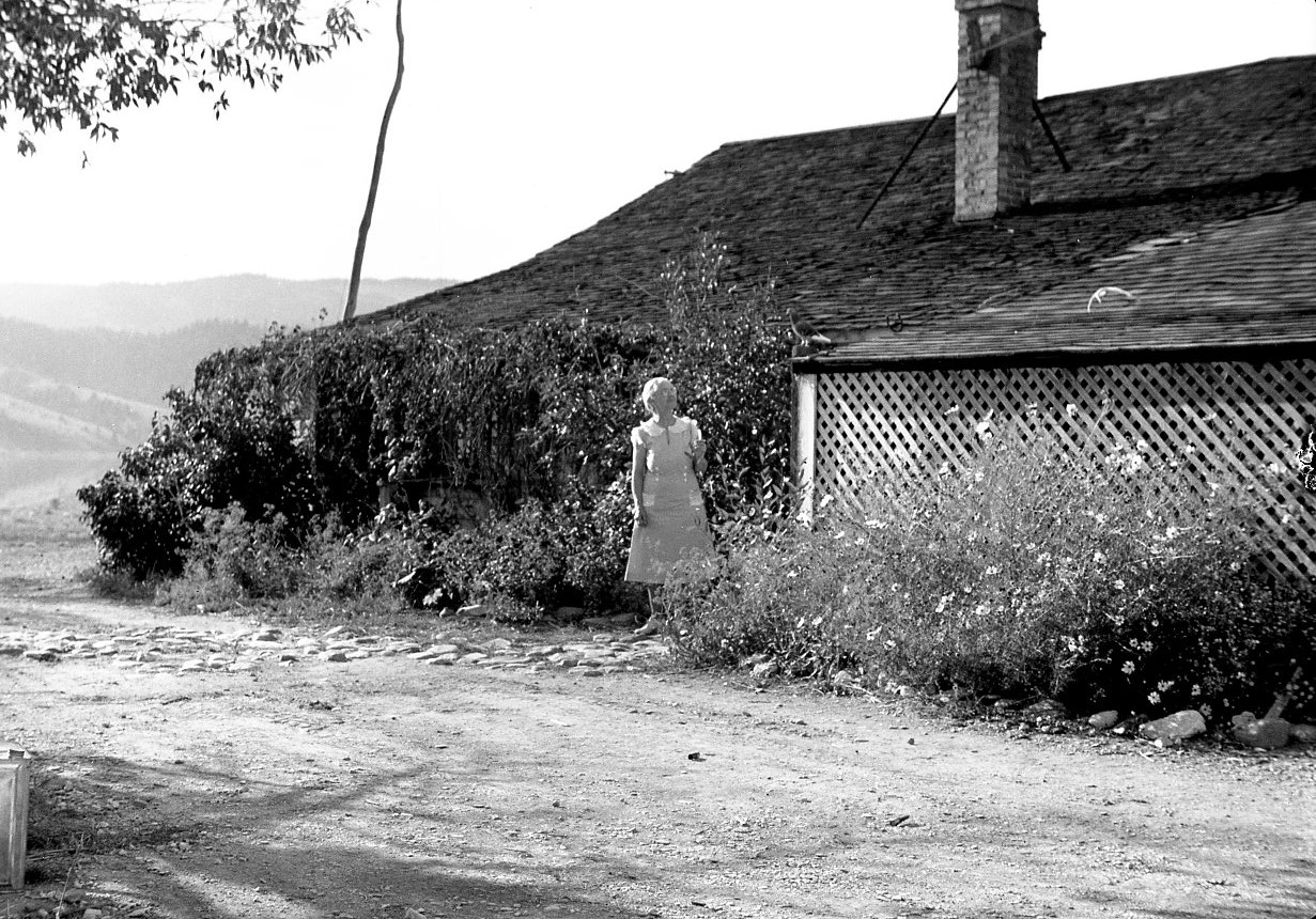 """The Story of """"My Grandmother's House"""" Video by Robert Dodgson"""